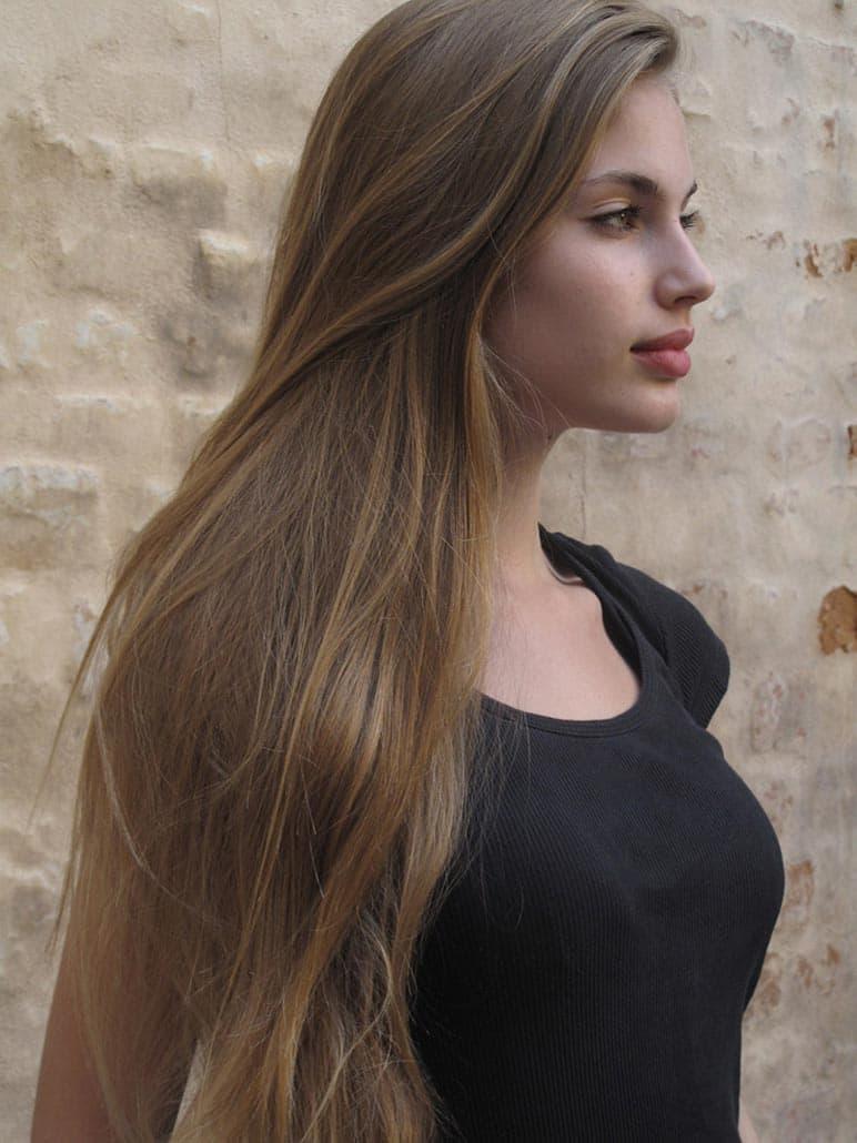 Волосы русые девушка