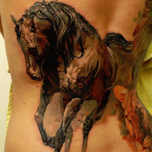 Татуировка в виде лошади